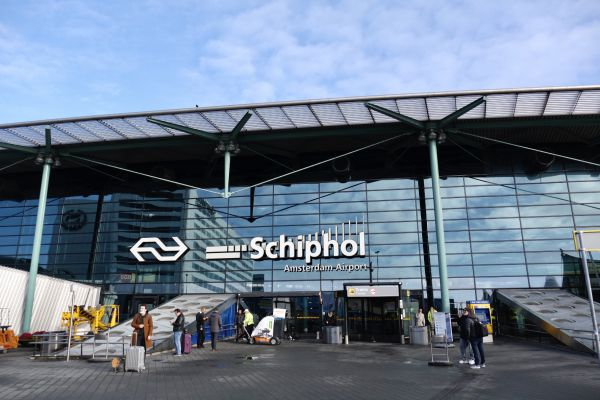 Taxi to schiphol
